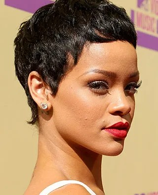 Rihanna Rocks a New Look for the VMAs #ShortHairDon'tCare