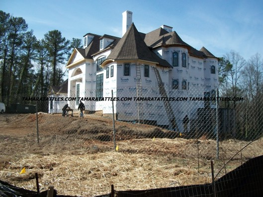 Front and right side of Chateau Sheree