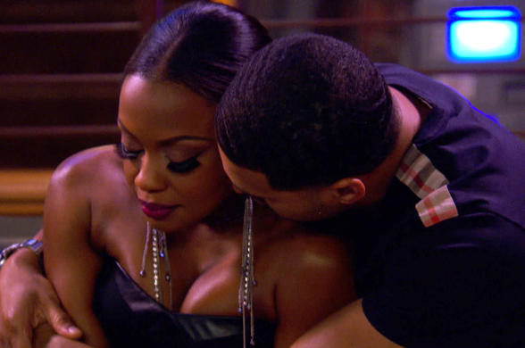RHOA Apollo hugs Phaedra