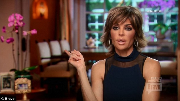 Lisa Rinna's Blog Doesn't Really Seem To Own It