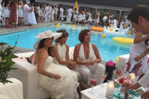 RHOBH hamptons white party sitting