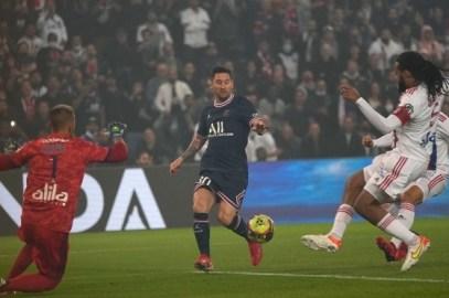 """Primeros ataques a Leo Messi en París: """"El intermitente, se está marchitando"""""""