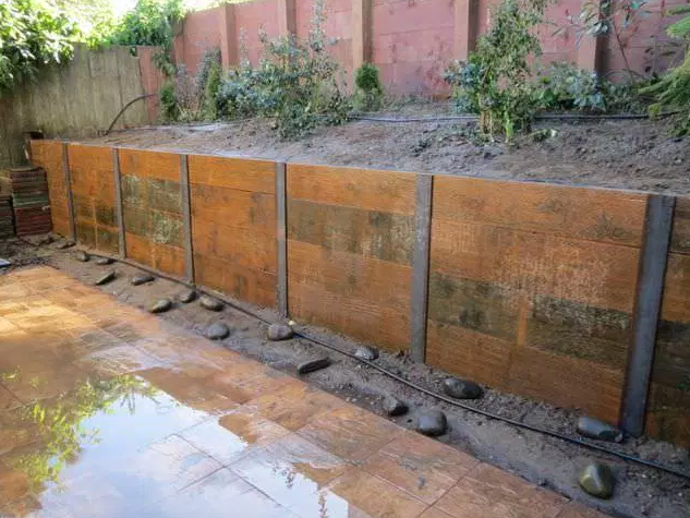 Example of Steel H Beam and Plank Retaining Walls
