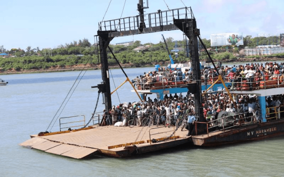 Car plunges in Likoni Ferry