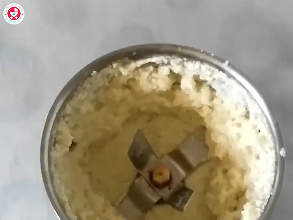 Pulse to get a smooth puree form.
