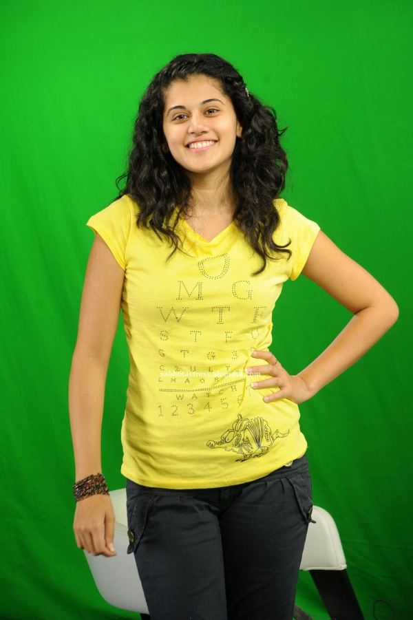 Tapasee Pannu Latest Gorgeous Cute Photo Shoot Gallery in ...