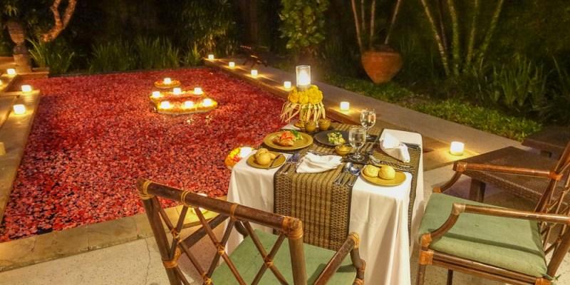 《峇里島肉桂岡薩》Kayumanis Sanur 池畔燭光晚餐/海灘日出早餐 浪漫吧!