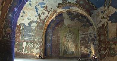 Фреске српских светиња у француској тврђави