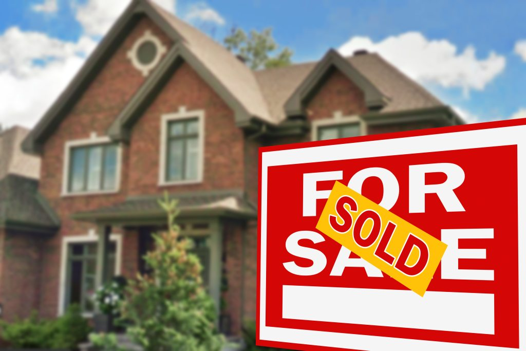 Should You Replace the Windows in Your Home Before You Sell It