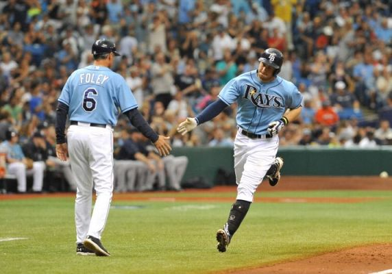 Evan Longoria rounds third base after a home run against the New York Yankees. (Photo by Al Messerschmidt/Getty Images)