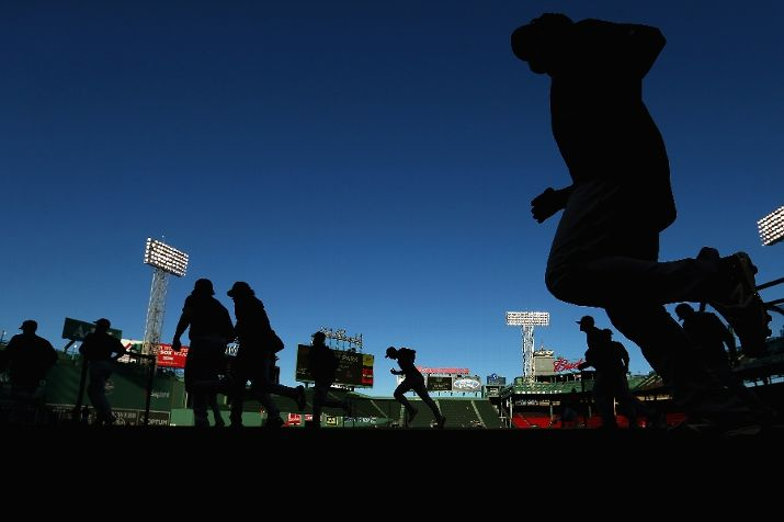 The Tampa Bay Rays warm up before their game against the Boston Red Sox at Fenway Park on September 23, 2015 in Boston, Massachusetts. (Photo by Maddie Meyer/Getty Images)