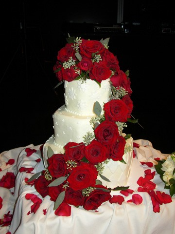 Red roses flowers cakes