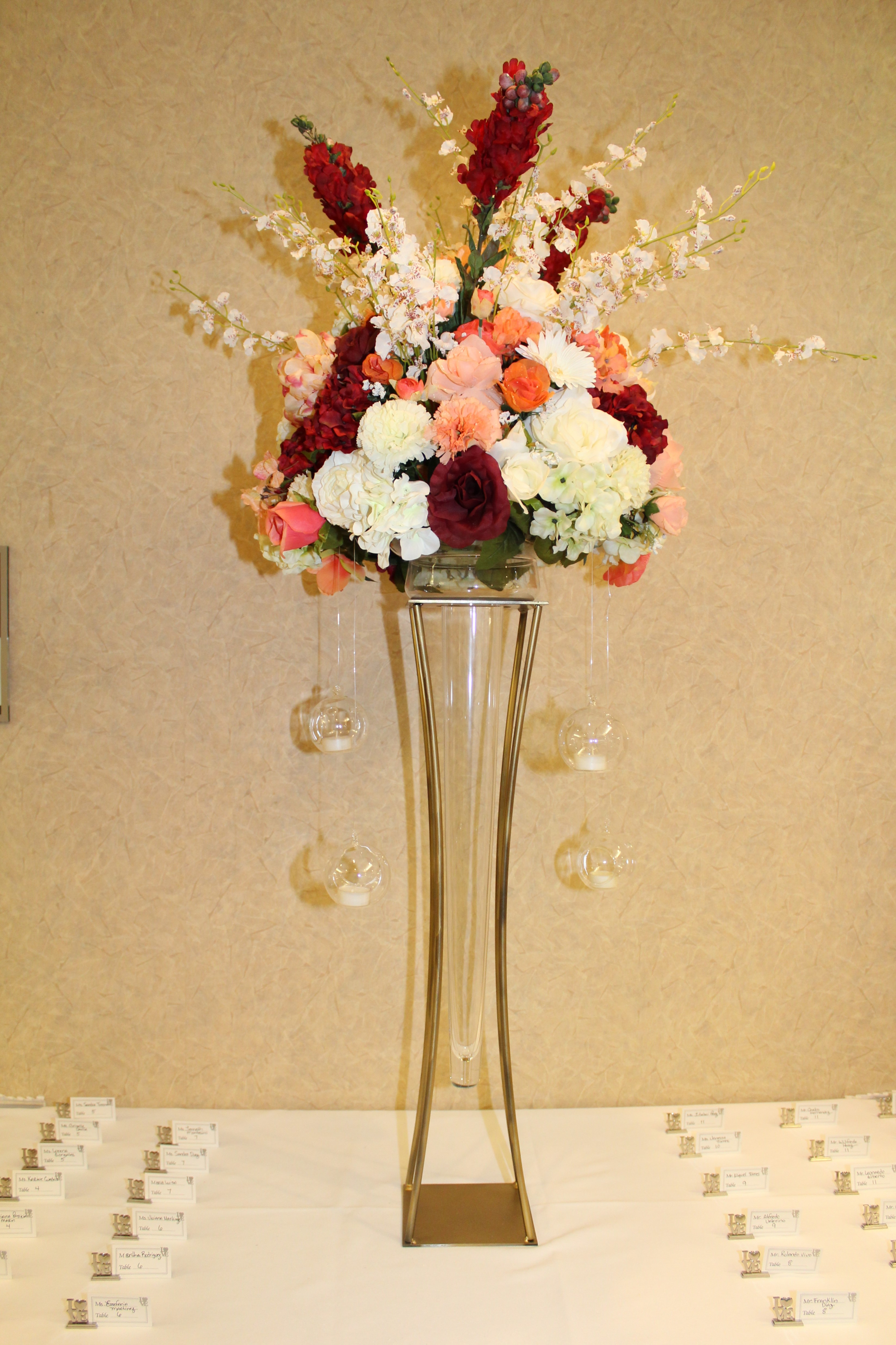 Sign table silk flowers burgandy