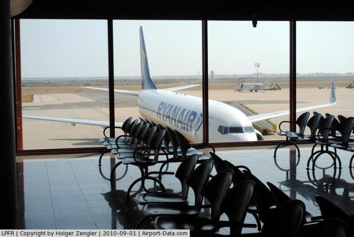 airport-boarding-room