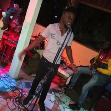 SAMY SOLO: UN ARTISTE MUSICIEN CAMEROUNAIS AU TALENT D'OCÉAN
