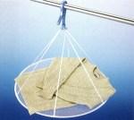 セーター・ニットの洗濯と干し方を紹介!伸びない方法とは?