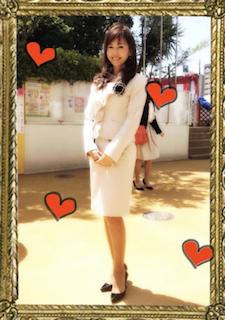 入園式のママの白色スーツコーデ