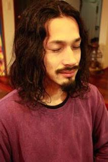 冬に人気なワイルドなメンズのロングの髪型