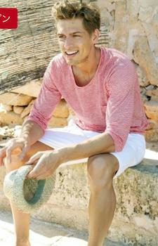 ピンクのロンT×白のハーフパンツ