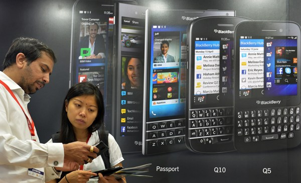 BlackBerry kills its phone manufacturing business
