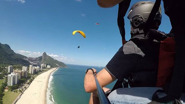 Fly with Mahmoud tandem parapente experience in Rio paragliding