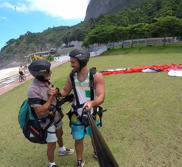 landing Pedra Bonita tandem paragliding Rio