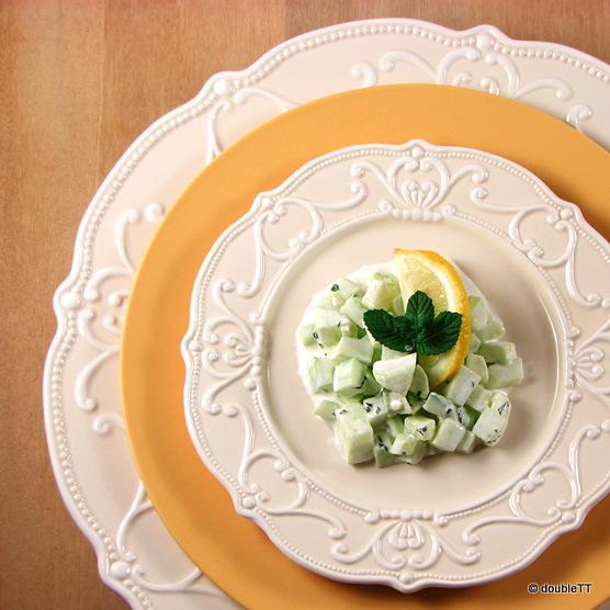 salata-od-svje-C5-BEih-krastavaca-s-limun-metvicom