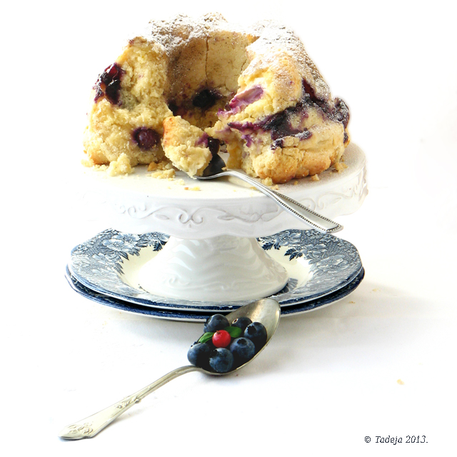 Blueberry cream cheese monkey bread