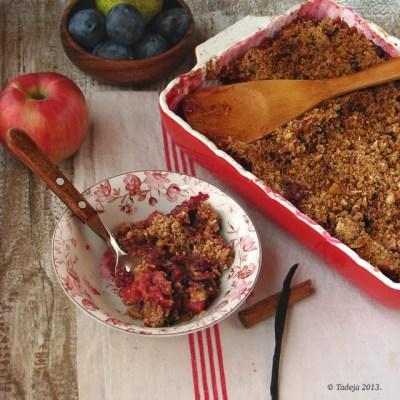 Jesenji drobljenac (cramble) od miješanog voća