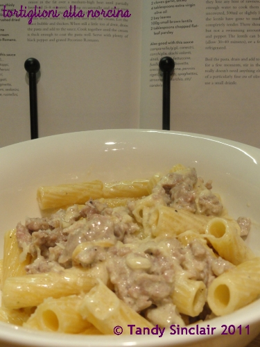 Pasta With Sausages And Cream