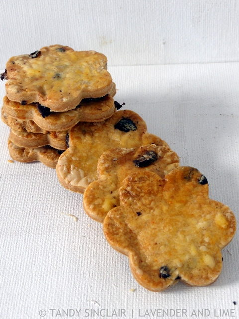 Dried Olive Savoury Biscuits