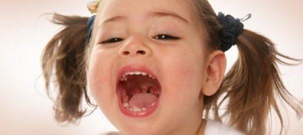 cocuklarda-bademcik-ve-buyuyen-geniz-eti-problemleri