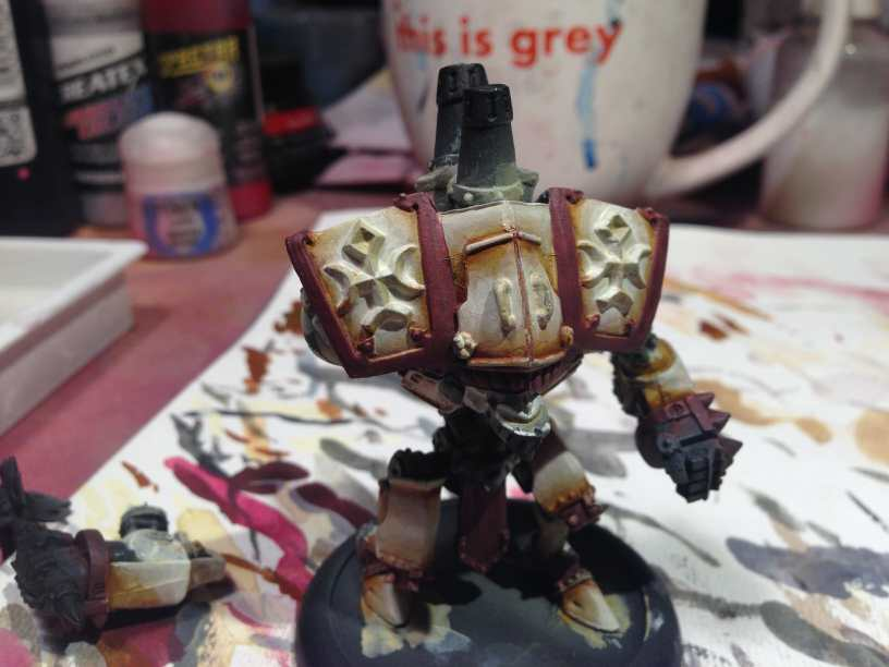 Menoth Crusader Warjack: Quick n' Dirty Paint Job - how to paint a menoth warjack - painting the crusader menoth miniature - warmachine painting - painting warmachine models for menoth - accents added