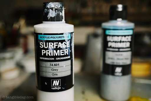 Top 10 Primers for Plastic and Metal Miniatures (Reviews and Tips) - Vallejo Surface Primer