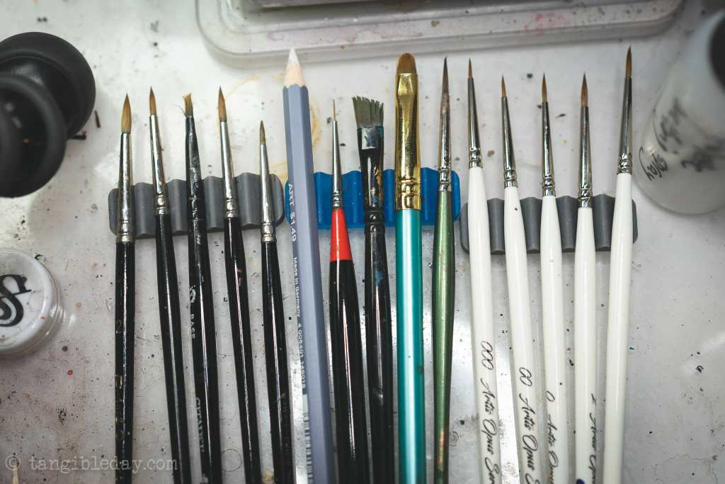 10 Fun Paint Brush Holders for Hobby Painters - brush rest diy for proper storage and care - 3d printed brush holder