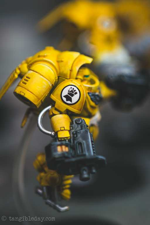 How-to Apply Warhammer Space Marine Decals (Tips) - How to use wet slide decals on miniatures and scale models - varnished matte sealer on model over decal
