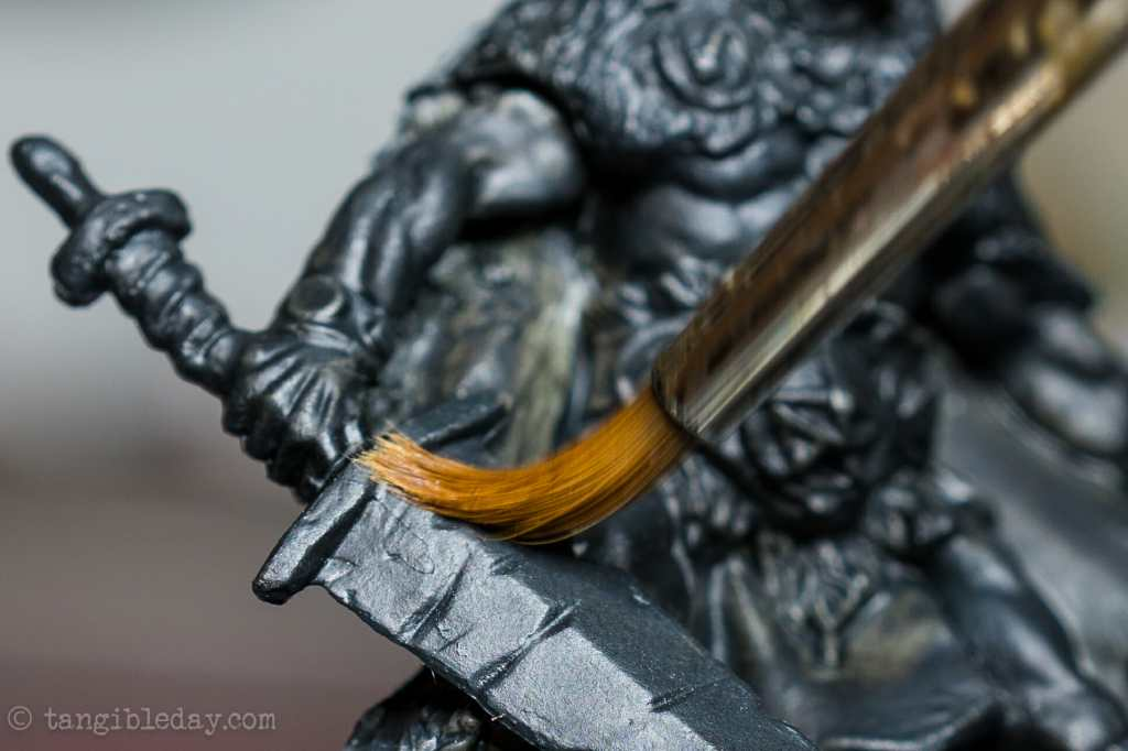 Best Alternative to Winsor & Newton Series 7 Brushes for Painting Miniatures - cheap sable kolinsky sable brushes for painting miniatures - good budget brushes for painting miniatures - close up brush sweep