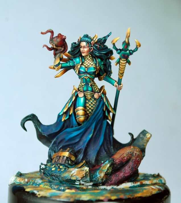How to paint miniatures competitively – how to paint for competition – painting contest – how to win a painting contest – Marike Reimer miniature painting – interview with Marike Reimer about the Kraken Mistress – how to paint miniatures like a pro – how to paint miniatures professionally – best miniature painting tutorials – how to paint NMM gold