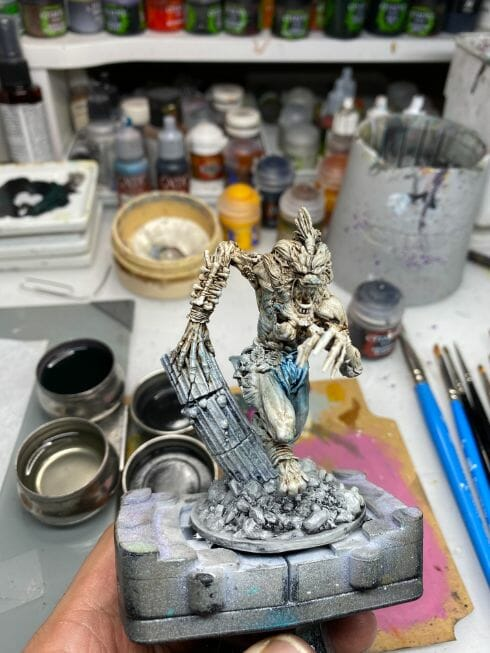 How to paint miniatures with oil paints - painting ashtooth with oil paints - oil painting a 54mm scale model - painting miniatures and models with oil colors - Judgement Miniatures - painting resin miniature with oil paint - front view