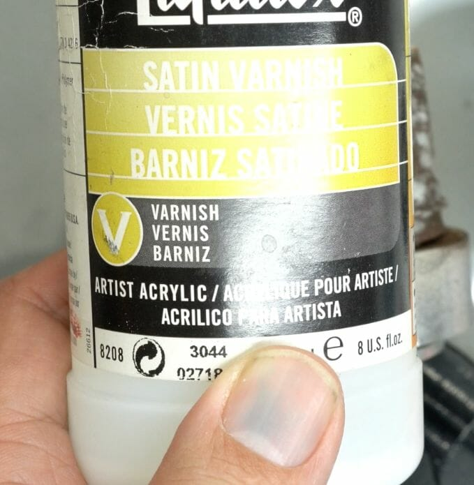 How to paint marble effects on miniatures – painting white marble – painting stone effect miniatures -how to paint marble on miniatures and models – airbrush stencil marble – marbleizing miniatures – airbrushing marble effect - satin varnish for final effect