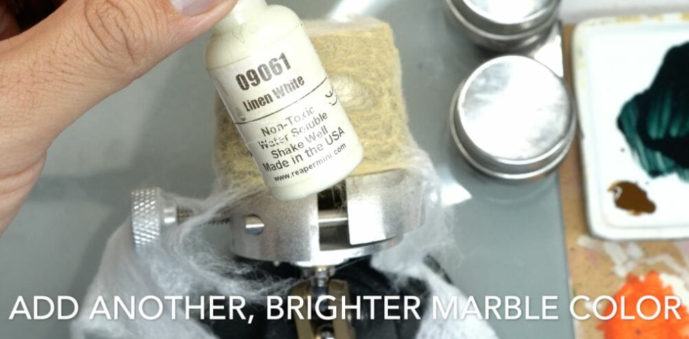 How to paint marble effects on miniatures – painting white marble – painting stone effect miniatures -how to paint marble on miniatures and models – airbrush stencil marble – marbleizing miniatures – airbrushing marble effect - highlight bright color