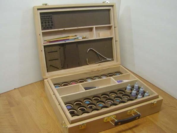 Best miniature painting cases, portable hobby paint station, and miniature paint workstations for modeling and hobbyists – Best portable hobby workstation for painting miniatures and models – tips and guide for paint organizers - model paint case and box - Citadel paint storage or travel case for hobbies and miniature painting