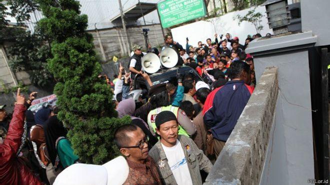 """'PEMERASAN GEREJA di Bandung : """"Mereka minta Rp200 juta"""""""