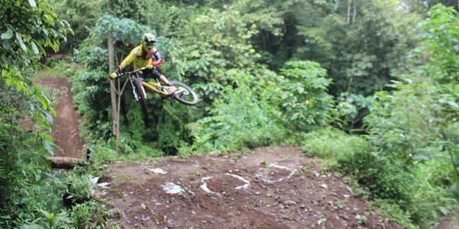 Kombinasi gaya hidup-travel-sport sepeda gunung makin populer di Bali