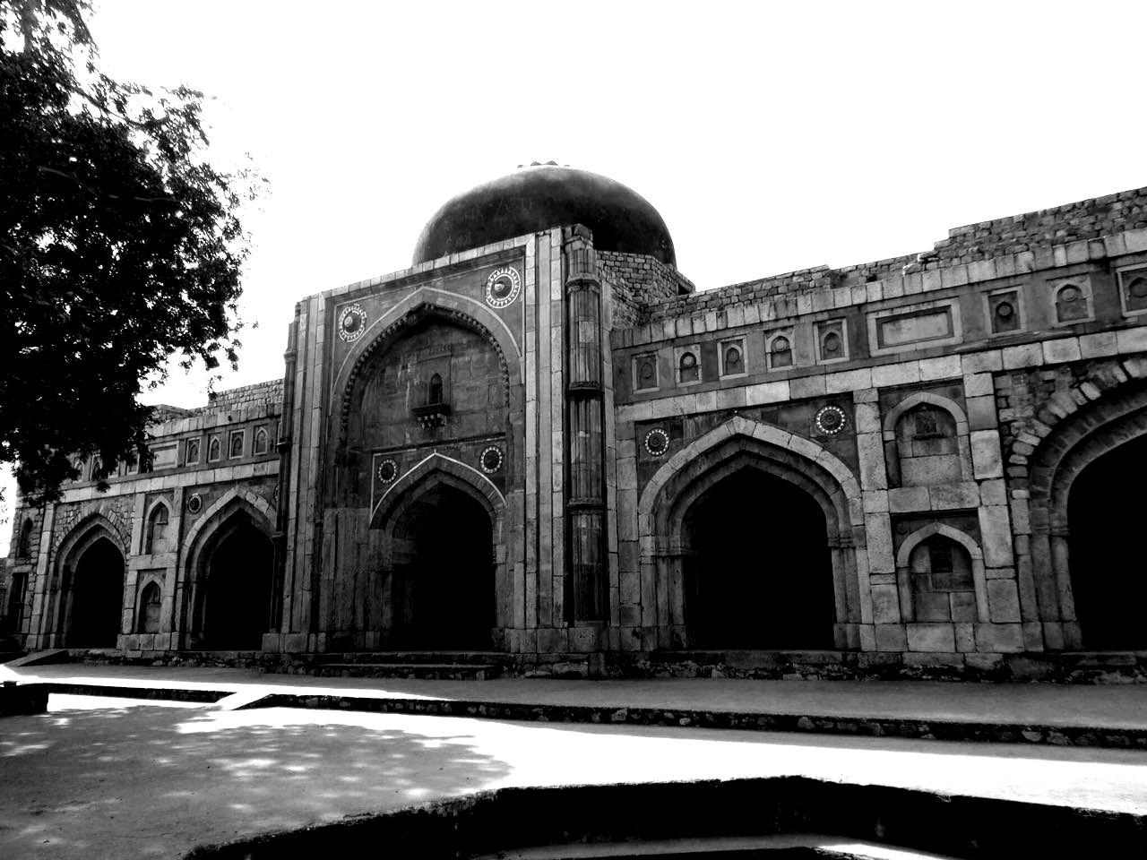 Jamali Kamali's Mosque: Mehrauli Archeological Park