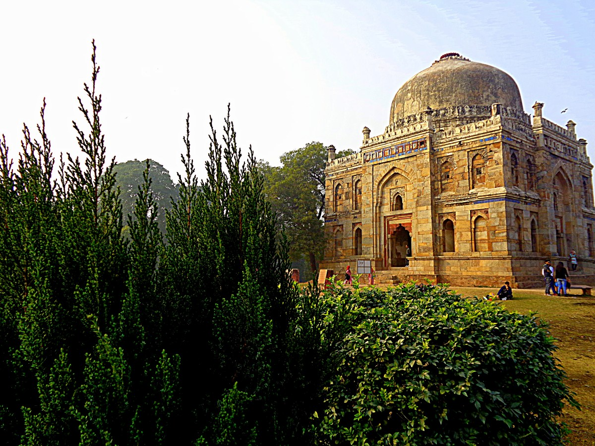 Lodhi Garden, New Delhi, A historical place, picnic spot, it has lot to offer