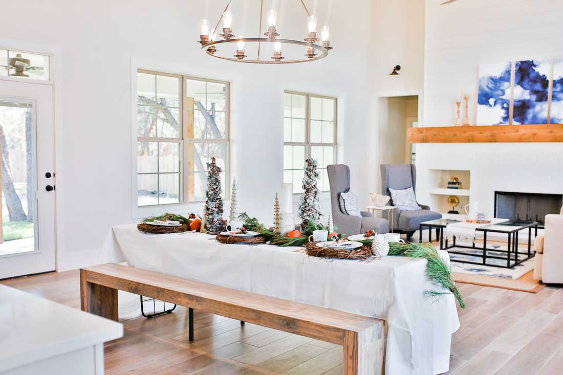 Beautiful woodlands Christmas decor and table!