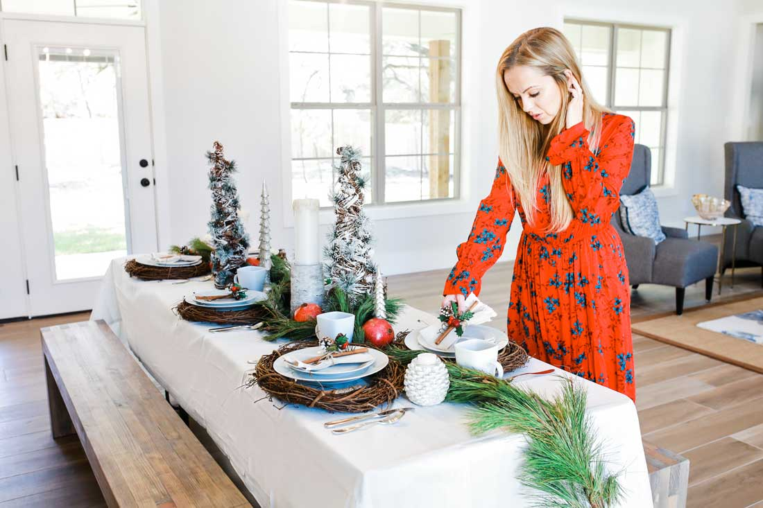 Amazing and unique Christmas decor and Christmas table