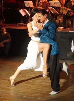 tangomuenchen-fabianymichaela-pose6