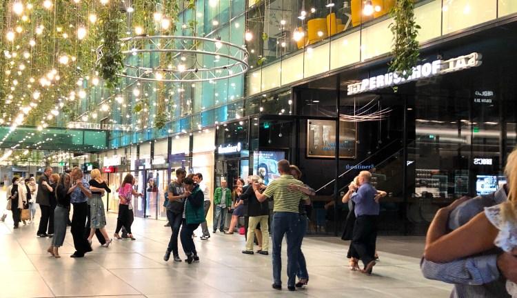 tango tanzen in den Fünf Höfen München